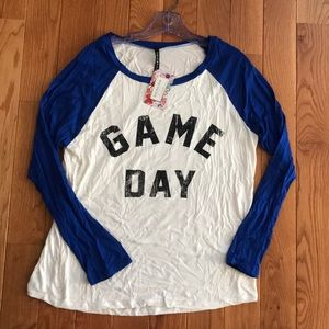 Triumph Game day baseball tee